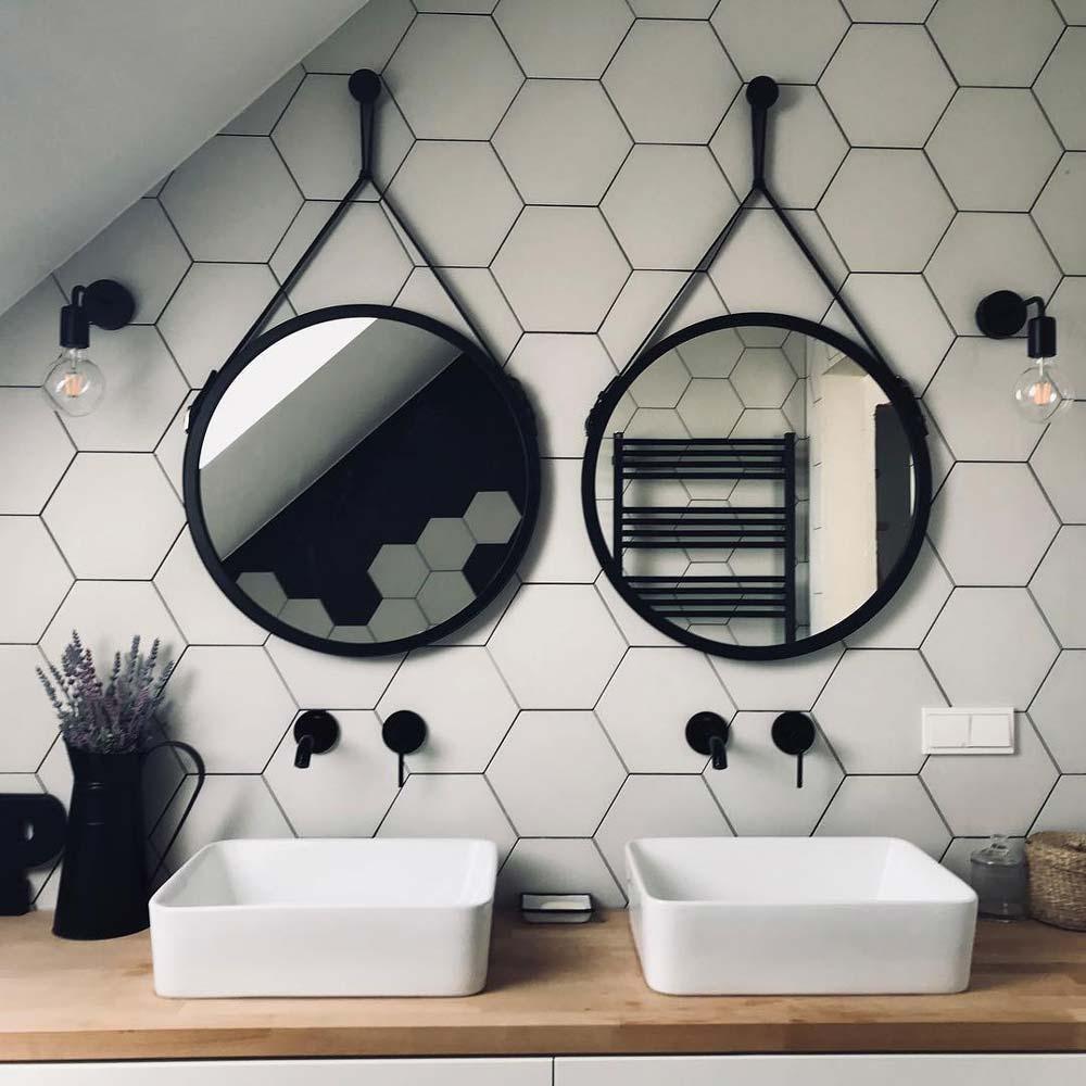 Два зеркала на кожаном ремне Scandi от GieraDesign.
